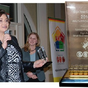 GLB Chicago presented with Community Award