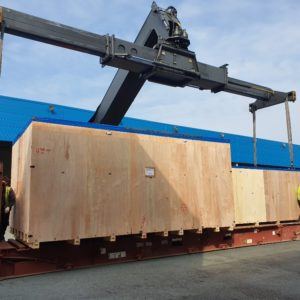 GLB Piraeus joins forces with GLB Frankfurt to transport a semi-automatic flatbed die cutter