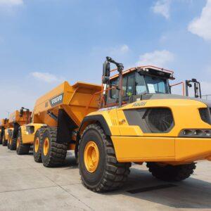 Globalia Singapore moves 4 units of A60H dump trucks